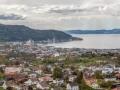 Výhled na Trondheim z věže Tyholttårnet.