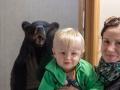 Adámek a medvěd černý.