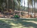 Poničený Mamutíkův vodní park.