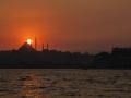 Západ slunce nad Suleymaniye Mosque a taky ve smogu.