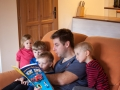 Čtení pohádek bylo každodenní radostnou povinností.
