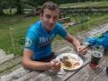 Po stoupání na Charbulák si dáváme zasloužený oběd na Švarné Hance.