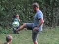 Tak nakonec Piškot dává lekci fotbalu.